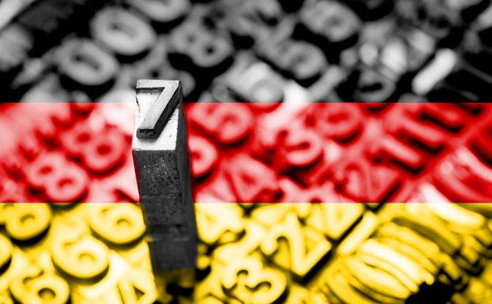 Nummer 7 vor deutscher Flagge